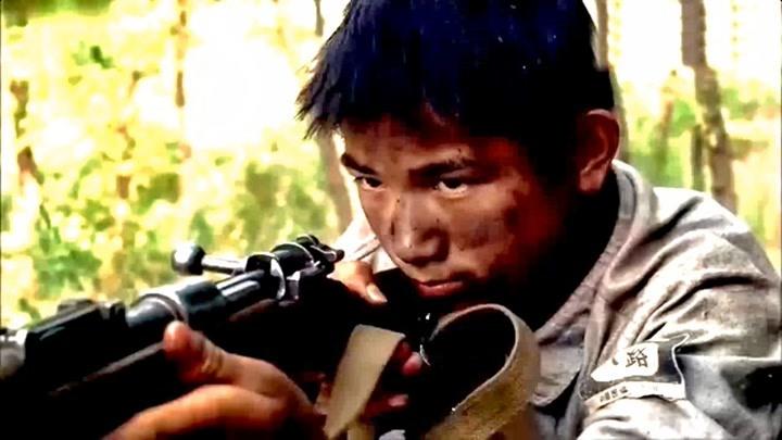 獵戶小子打鬼子,比狙擊手槍法還快還準,小日本見他尿尿
